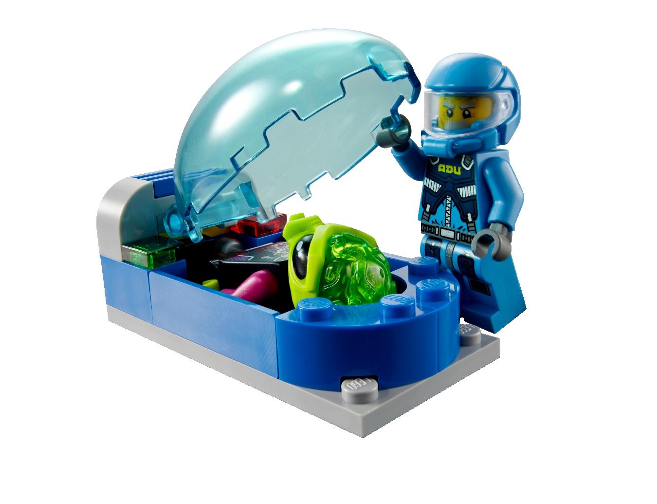 lego alien conquest 7066 mobile alien abwehrzentrale. Black Bedroom Furniture Sets. Home Design Ideas